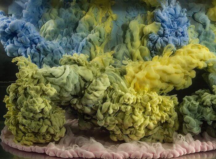 Kim Keever. Картина под водой – желтые волны